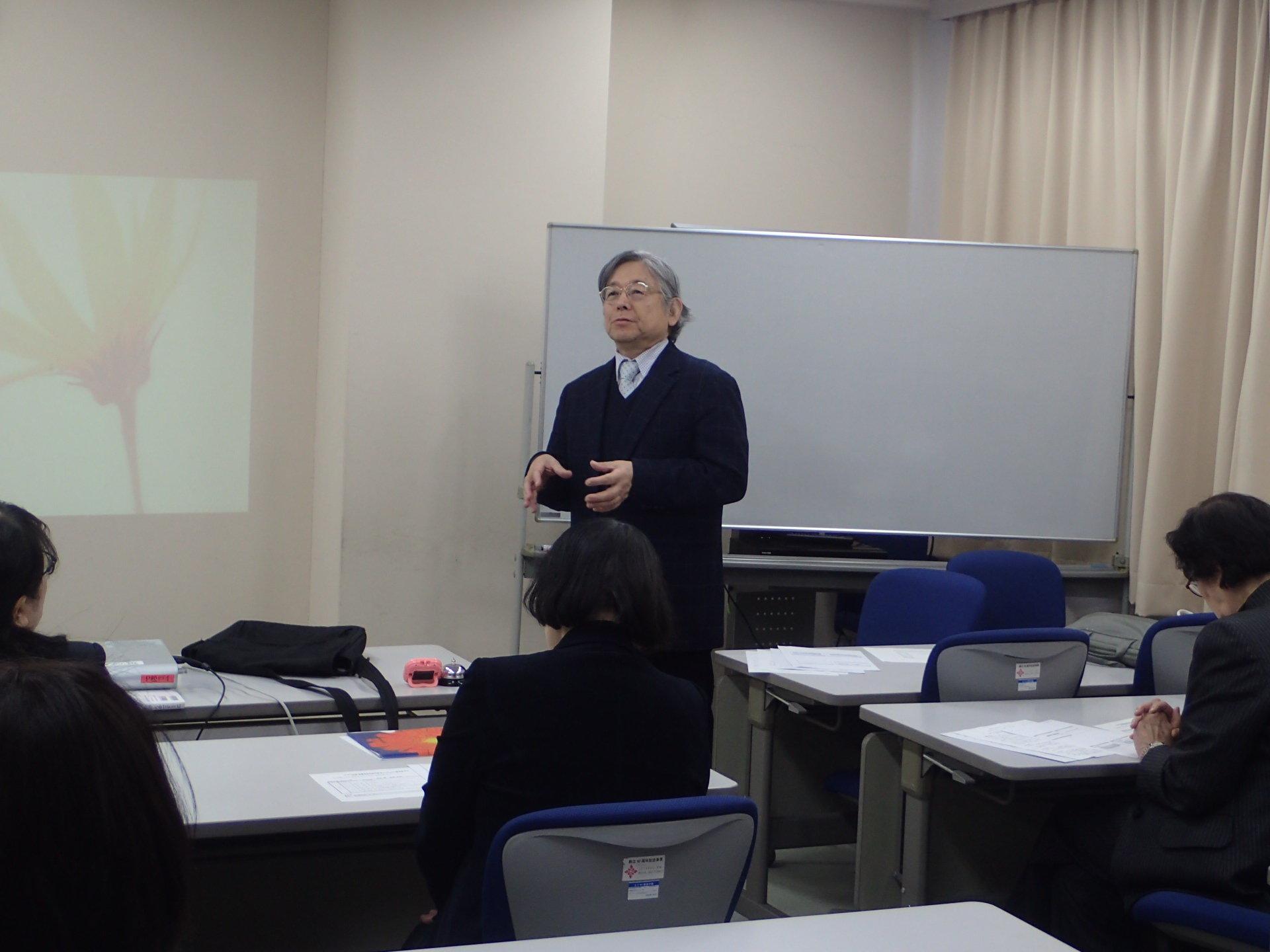 幼児教育コース「課題研究プレ構想発表会」が開催されました。